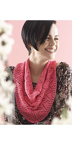 Free Pattern: Chevron Leaf Scarf by Patons