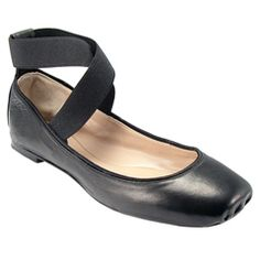 I love ballet flats! These Chloe Ballerina flats also come in Taupe.