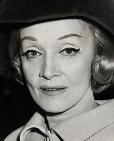Marlene Dietrich during Marlene Dietrich Press Conference September 25 1967 at L'Etoile in New York City New York United States Golden Age Of Hollywood, Vintage Hollywood, Hollywood Glamour, Classic Hollywood, Marlene Dietrich, Rita Hayworth, Marylin Monroe, Maria Riva, Louise Brooks