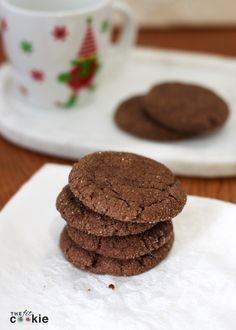 Bake these Chocolate No-Chill Vegan Sugar Cookies for your next Christmas party: they are easy to make and delicious!