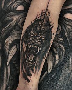 Tattoo Gorila com raiva. Tattoo estilo sketch e waterblack Hand Tattoos Pictures, Hand Tattoo Images, Picture Tattoos, Animal Tattoos For Men, Hand Tattoos For Guys, Tattoo Sleves, Sleeve Tattoos, Bear Tattoos, Body Art Tattoos