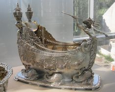 bowl by tiffany co. new york city, new york, 1888 Silver Spoons, Silver Plate, Silver Teapot, Silver Trays, Vintage Silver, Antique Silver, Gilded Age, Tiffany And Co, Tiffany Blue