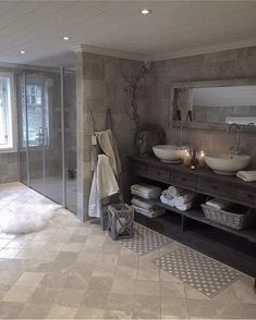 Top 60 Best Master Bathroom Ideas - Home Interior Designs Grey Bathrooms Designs, Big Bathrooms, Beautiful Bathrooms, Luxurious Bathrooms, Decor Inspiration, Interior Design Inspiration, Home Interior Design, Decor Ideas, Decorating Ideas