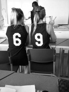 kosko Fretwell you be 9 i be hahahaahah we haveeeeee to do this for skyview volleybal! Bff Goals, Best Friend Goals, My Best Friend, Best Friend Pictures, Friend Photos, Bff Pictures, Best Friend Photography, Youre My Person, Best Friend Shirts