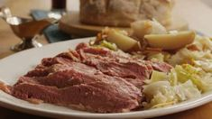 Slow Cooker Corned Beef and Cabbage - video Venison Recipes, Roast Recipes, Slow Cooker Recipes, Crockpot Recipes, Cooking Recipes, Corned Beef Brisket, Venison Steak, Venison Roast Crockpot, Beef Ribs