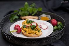 Curry Eierspeise Chili, Curry, Kraut, Bruschetta, Risotto, Ethnic Recipes, Food, Easy Meals, Eten
