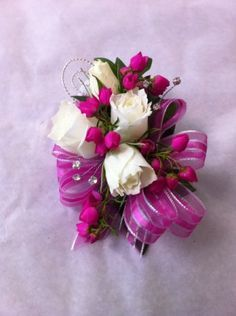white and hot pink corsage Wrist Corsage Wedding, Prom Corsage And Boutonniere, Wedding Bouquets, Corsages, Boutonnieres, Homecoming Flowers, Prom Flowers, Bridal Flowers, Homecoming Corsage