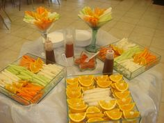 Sweet Party Ideas: botanas mexicanas Who doesn't love fruits with chili and lime!