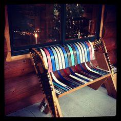 A unique take on the ski bench. Sticks Furniture, Diy Furniture, Ski Nautique, Ski Lodge Decor, Man Cave Home Bar, Winter Home Decor, Pole Barn Homes, Decoration, Repurposed