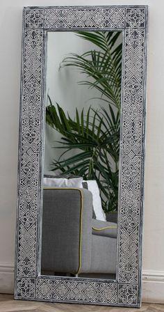 Это среднее зеркало, его размеры 60х140 см, и этого достаточно, чтобы полностью увидеть себя даже при небольшом удалении. Да и само по себе оно выглядит внушительно, но при этом совершенно не громоздко. Oversized Mirror, Frame, Furniture, Home Decor, Picture Frame, Decoration Home, Room Decor, Home Furnishings, Frames