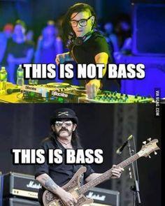 Badass Bassplayer!