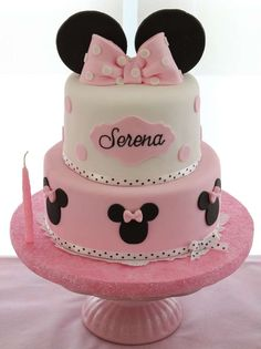 30 pink, black and white Minnie Mouse cake for the birthday - Shelterness Minnie Mouse Party, Minni Mouse Cake, Bolo Da Minnie Mouse, Minnie Mouse 1st Birthday, Pink Minnie, Mickey Party, Mini Mouse Cupcake Cake, Pirate Party, Disney Cakes