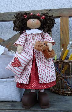 Apostila de boneca contendo: molde da boneca em madeira,molde da roupinha,cabelo,travesseiro. Passo a passo da pintura da boneca e montagem. Frete por conta do cliente. R$ 30,00