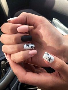 pretty matte nail art designs ideas spring 2019 page 34 - Beauty Home - Dream Nails - Nageldesign Cute Spring Nails, Cute Nails, My Nails, Nail Summer, Nail Ideas For Summer, Dark Nails, Pretty Nails For Summer, Summer Trends, Long Nails