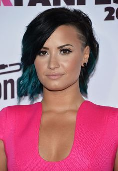 Preeeeeetty: Our Favorite Celebs with Rainbow Hair - Demi Lovato in Teal Ombre