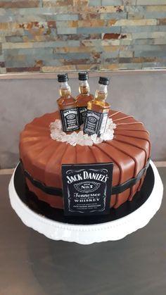 Cake Of Happy Birthday Liquor Bottle Cake, Liquor Cake, Funny Birthday Cakes, Funny Wedding Cakes, Cake Birthday, Happy Birthday, Chocolate Sweet Cake, Jack Daniels Cake, Cake For Boyfriend