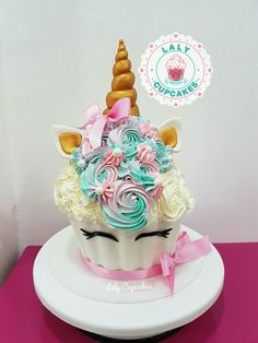 New cupcakes unicornio gigante ideas Creative Cake Decorating, Birthday Cake Decorating, Creative Cakes, Giant Cupcake Cakes, Big Cupcake, Rose Cupcake, Cupcake Party, Ladybug Cupcakes, Snowman Cupcakes