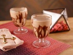 """Chocolate-Peanut Butter Swirl Smoothie (Cocoa-licious Brunch) - Bobby Flay, """"Brunch at Bobby's"""" on the Food Network."""
