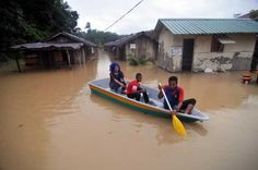 12/24/2014 - Serve the people by helping flood victims together, UM student tells BN and PR Malaysia