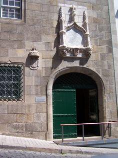 Esta Quarta, Quinta e Sexta-feira (28, 29 e 30) passe na Casa do Infante (Alfândega Velha), no Porto, e compre produtos Míguas para oferecer no Natal... ;-D       You can buy Miguas Christmas Gifts at Casa do Infante (Prince's House), in Porto, also known as the Alfândega Velha (Old Customs House) this Wednesday,Thusday and Friday (28, 29 & 30)! ;-D