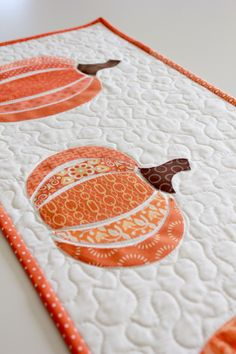 HeatnBond EZ Print Scrappy Pumpkin Table Runner http://thermoweb.com/blog/heatnbond-ez-print-scrappy-pumpkin-table-runner/