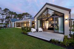Long House, My House, Farm House, Rural House, Modern Barn House, Modern House Design, Pavilion Design, Modern Farmhouse Exterior, Dream House Exterior