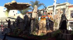 Visit http://www.InsideTheMagic.net for more magical fun! A video of the Disneyland Resort float in action at the 2016 Tournament of Roses Parade (AKA the Ro...