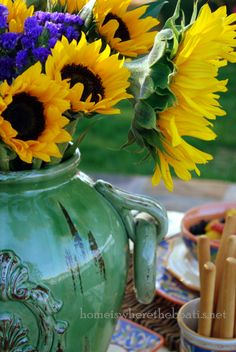 Italian pottery and sunflowers