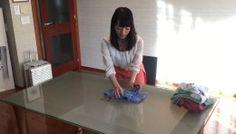 Marie Kondo Shows You How To Fold And Store A Shirt The KonMari Way