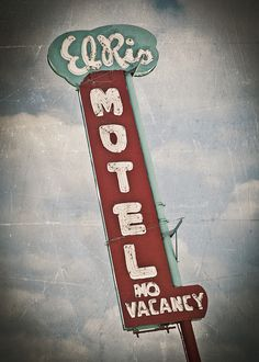 El Rio Motel by Shakes The Clown, via Flickr