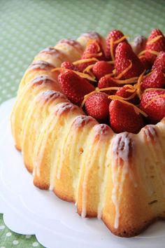 酸っぱさと甘さのバランスが絶妙!「ブラッドオレンジケーキ」のレシピ - macaroni