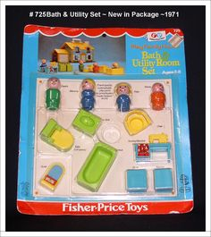 1971 Fisher Price Little People Bath & Utility Set #725 includes: tub, sink, toilet, chair, sewing machine, washer, dryer, bald guy green body, yellow hair lady blue body, yellow pigtale girl blue body, bald boy orange body.