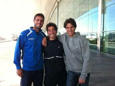 Rafa Nadal:  Me he encontrado a dos grandes amigos en el aeropuerto! Suerte en Vancouver!    I meet two great friends at the airport! Good luck in Vancouver!