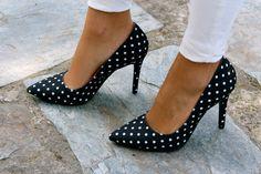 Fashion and Style Blog / Blog de Moda . Post: My Pilar Burgos Shoes / Mis zapatos de Pilar Burgos: un guiño a la Feria de Sevilla... Desde Madrid   .More pictures on/ Más fotos en : http://www.ohmylooks.com/?p=27426 .Llevo/I wear: Blouse / Blusa : Oh My Looks ( info@ohmylooks.com ) ; Pants / Pantalones : Zara ; Bag / Bolso : Furla ; Shoes / Zapatos : Pilar Burgos