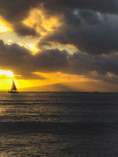 Sunset on our Hawaii honeymoon #travel #photography #nature #photo #vacation #photooftheday #adventure #landscape