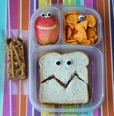 Funny eye-a-licious School Lunch in @EasyLunchboxes - mamabelly.com