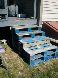 Stairs built by me with free, sturdy pallets and 2x4's. They lasted about 5 years.