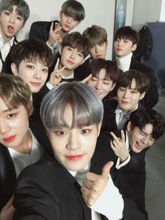 Very sorry If some of the guys in my wanna one board aren't correct😬 I haven't really gotten the time to actually learn who's who and who's in the group 😭 Jaehwan Wanna One, Jin Kim, Twitter Update, Very Sorry, You Are My World, Guan Lin, Produce 101 Season 2, Lee Daehwi, Rapper