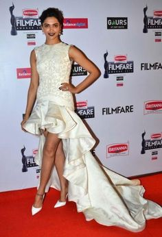 Deepika Padukone wore a beautiful white high-low dress by Ashi Studio. In filmfare awards 2015