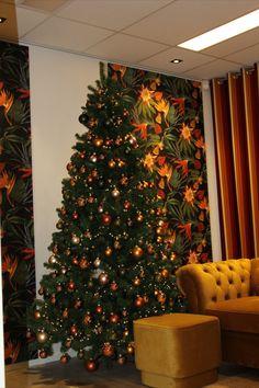 #warmcolours #christmastree #naturalcolours #yellow #saffron #glassballs #christmassballs #pinegreen