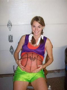 Dressing up like a basketball player and painting your pregnant belly like a basketball = best Halloween costume EVER!! :D