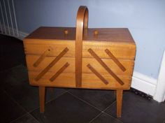 VINTAGE-WOODEN-SEWING-BOX-ON-LEGS-OPENS-OUT-6-SECTIONS-FREE-POSTAGE