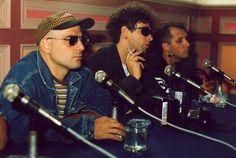 Conferencia de prensa por el álbum DYNAMO. Santiago, Chile 14 de Diciembre de 1992 Soda Stereo, Zeta Bosio, Nada Personal, Lady And Gentlemen, Music Bands, Gentleman, Santiago Chile, Singer, Light Music