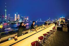 世界屈指の夜景を独り占め!上海の絶景ルーフトップバー|ANA Travel & Life