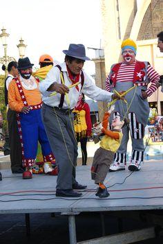 Payaso en Reynosa, entretenimiento perdido #turismo #reynosa #payasos   Fuente: Isaias Sánchez González www.casadelaculturaac.com