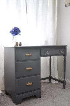 Old-School Desk Gets A Whole New Look - Suburble Desk Makeover with Grey and Gold Accents - gorgeous, smooth furniture finish!Desk Makeover with Grey and Gold Accents - gorgeous, smooth furniture finish! Desk Redo, Desk Makeover, Furniture Makeover, Diy Furniture, Desk Setup, Furniture Refinishing, Furniture Stores, Office Furniture, Office Decor