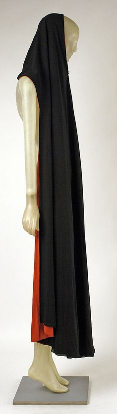 Cape Madeleine Vionnet (French, Chilleurs-aux-Bois 1876–1975 Paris) Date: ca. 1937 Culture: French Medium: silk