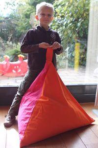 IMG_1594 Diy Pouf, Baby Couture, Outdoor Light Fixtures, Tee Shirts, Crochet, Images, Dresses, Poufs, Bean Bag