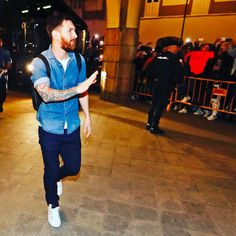 "901.4 mil curtidas, 3,281 comentários - FC Barcelona (@fcbarcelona) no Instagram: ""🔥🔥🔥 [SQUAD LIST| CONVOCATORIA | CONVOCATÒRIA] ⚽️ #DeporFCB 👥 Ter Stegen, Cillessen, Piqué, Rakitic,…"""