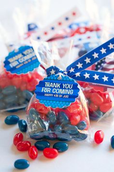 4th of July Candy Favors + DIY Twist Tie Tutorial #printable #craft www.evermine.com